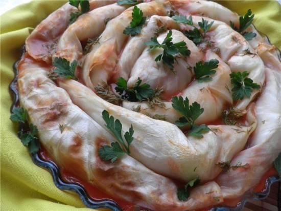 Голубцы с фасолью в томатном соусе