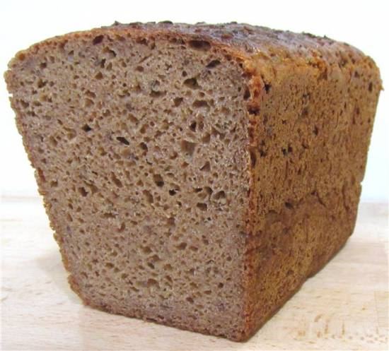 Литовский пшенично-ржаной заварной на закваске с тмином (Sventinе duona)  в духовке