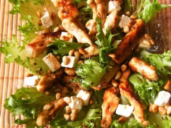 Салат с кедровыми орешками и курицей рецепт 30