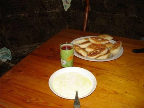 Молочный суп с домашней лапшой