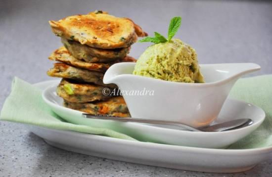 Дуэт Весенние сырники со шпинатом и зеленым луком, Мороженое шпинатно-мятное с козьим сыром