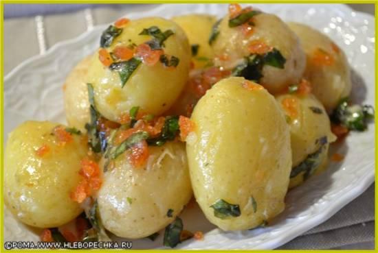 Молодой картофель с жаренными лисичками
