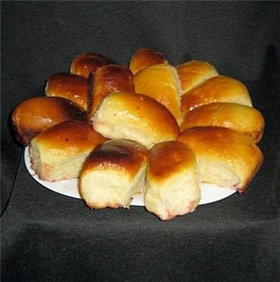 Пирожки с вишнями и персиками