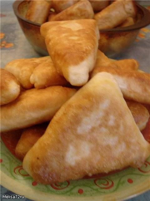Пирожки жареные  с сыром и морковкой