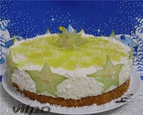 Торт кокосовый с тропическими фруктами