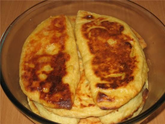 Картофельные пироги с яблочной начинкой