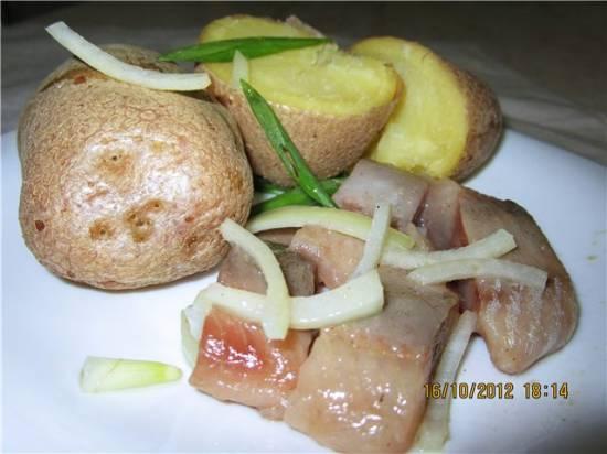 Картошка, печеная в микроволновке