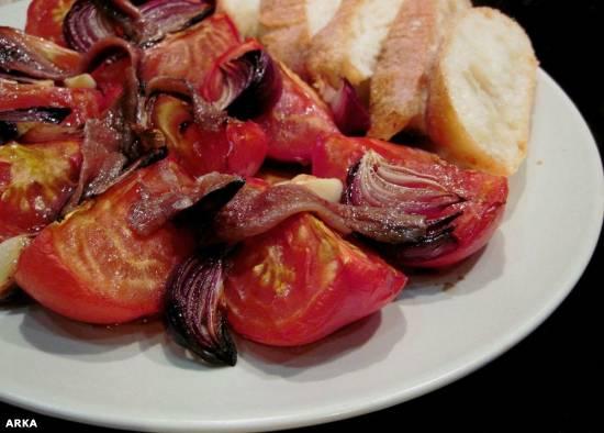 Салат из запечённых томатов