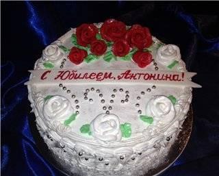 Торт Юбилейный на ванильном бисквите