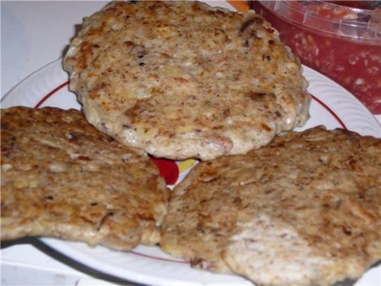 Оладьи из варёного картофеля и рыбной консервы