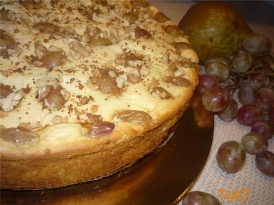 Сырник заварной с грушами и виноградом