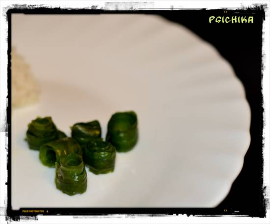 Китайская закуска из огуречной кожуры