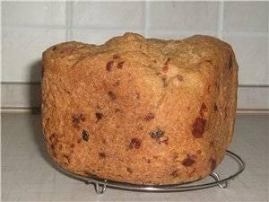 Хлеб цельнозерновой с прованскими травами, сыром и сушеными томатами