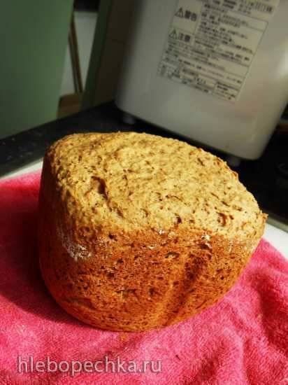 Ароматный пшеничный хлеб с чесноком и травами