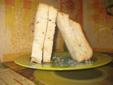 Обычный белый хлеб в хлебопечке