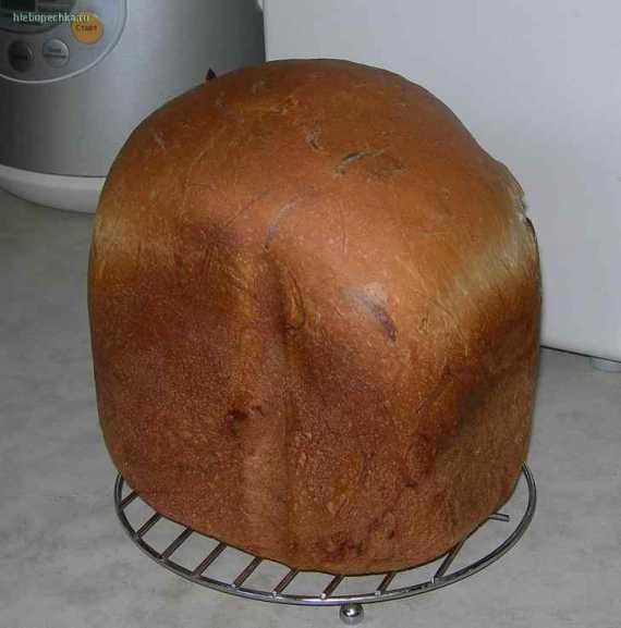 Хлеб с копченым сыром чечель Косичкой (хлебопечка)
