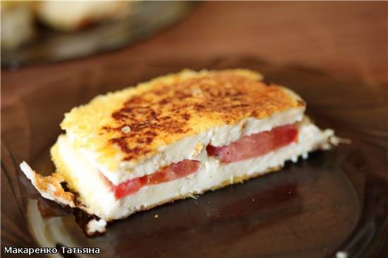 Жаренный адыгейский сыр с помидорами в гриле ВВК Жаренный адыгейский сыр с помидорами в гриле ВВК