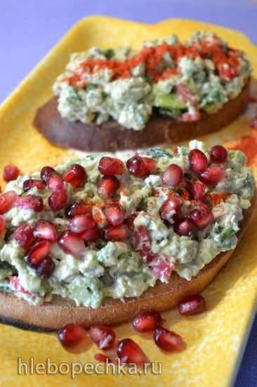 Паста с авокадо и сыром к завтраку