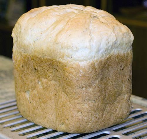 Белый хлеб с майонезом и сыром  (хлебопечка)