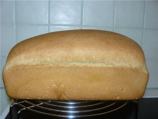 Хлеб белый столовый с яблоком (на закваске) в духовке
