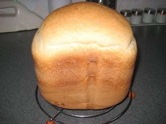 Легкий серый хлеб на закваске (хлебопечка)