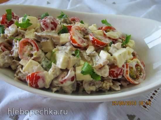 Салат с копченной курицей Аппетит