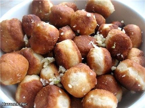 Как приготовить пампушки с чесноком на сковороде рецепт пошагово