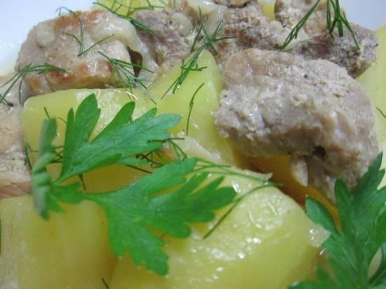 Картофель, тушеный с мясом в мультиварке Brand 6051 Картофель, тушеный с мясом в мультиварке Brand 6051
