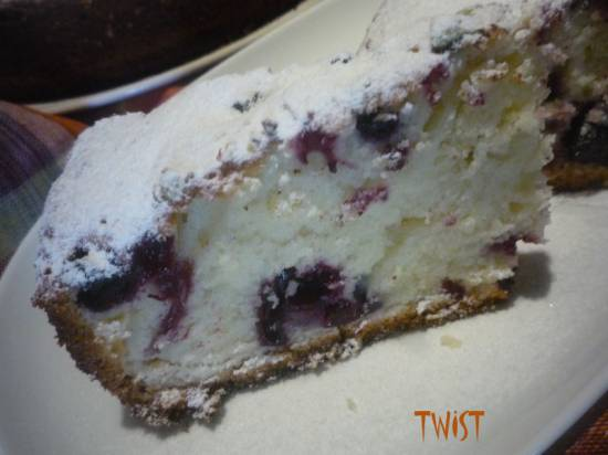 Пирог с черной смородиной  Ленивый<br>(мультиварка-скороварка Brand 6051)