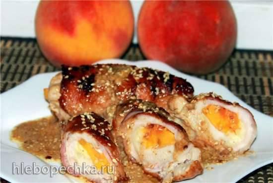 Куриные рулеты с персиками