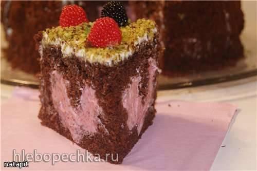 Сборка торта  Это любовь (начинка в виде сердца)