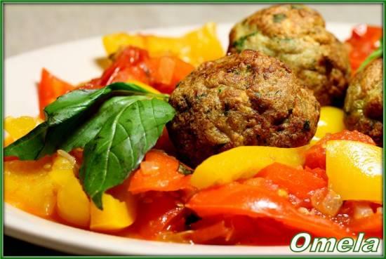 Рыбные шарики с овощным рагу