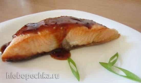 Жареный лосось под соево-горчичной глазурью