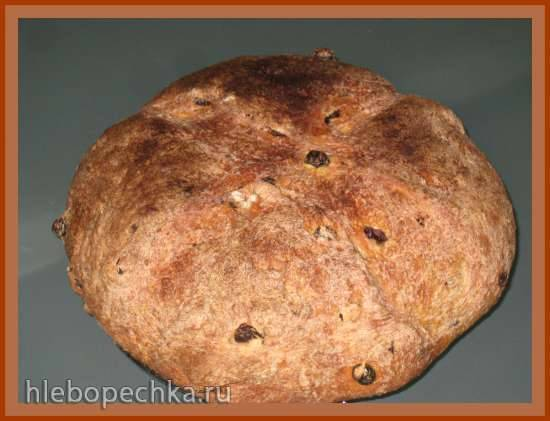 Хлеб пшеничный на закваске с изюмом и розмарином (духовка) Хлеб пшеничный на закваске с изюмом и розмарином (духовка)