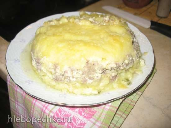 Запеканка из картофельного пюре и мясного фарша в мультиварке Редмонд RMC-01