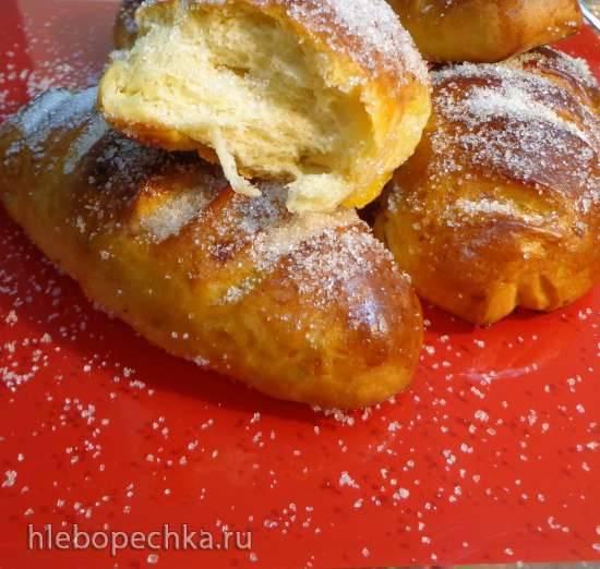 Абрикосовые булочки с сахаром