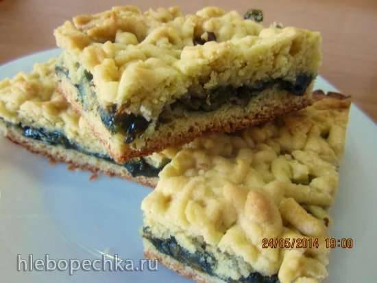 Тертый пирог с щавлево-ореховой начинкой