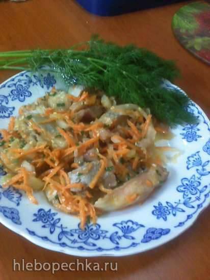 Селёдка с овощами и кунжутом
