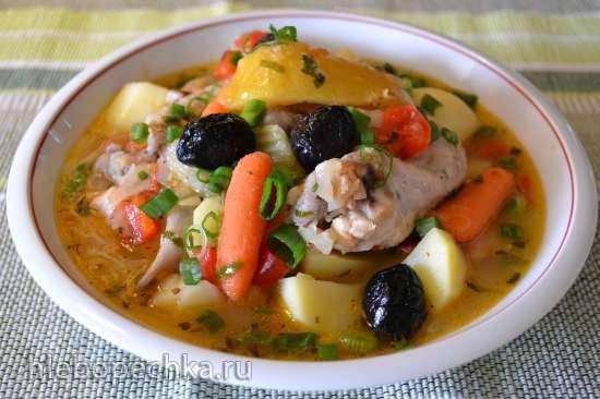 Овощное рагу с курицей и маринованными лимонами