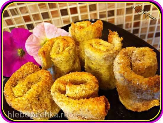 Хлебные рулеты с начинкой, обжаренные на сковороде