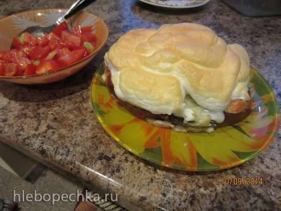 Еще один вариант завтрака в булочке под шапочкой