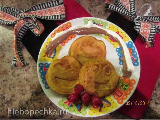 Томатно-кабачковые блинчики с шоколадно-сметанным соусом