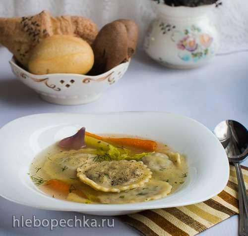 Равиоли (начинкой из косули и капусты) в бульоне - Maultaschen Reh