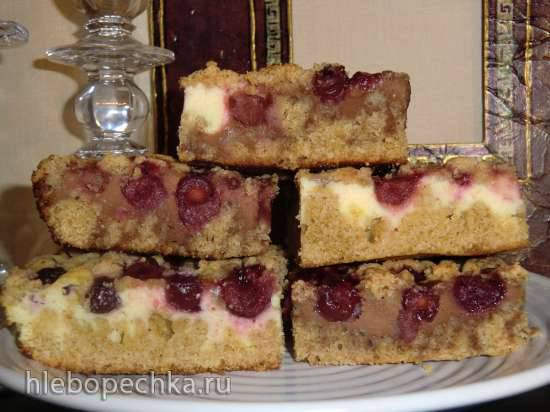 Шварцвальдский творожно-вишнёвый пирог со штрейзелем (Schwarzwalder schneller quark-kirsch-streuselkuchen)