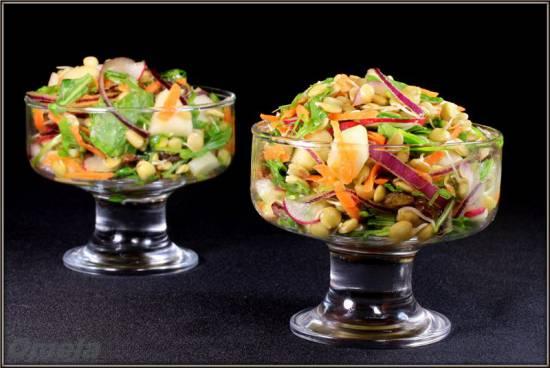 Салат с пророщенной чечевицей по-тоскански