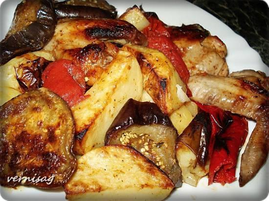 Мясо с овощами (в пиццамейкере princess 115000)