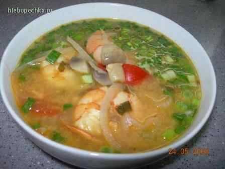 Суп острый тайский с креветками Том ям кун