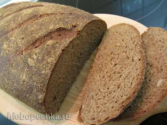 Цельнозерновой пшеничный хлеб на ржаной закваске Цельнозерновой пшеничный хлеб на ржаной закваске