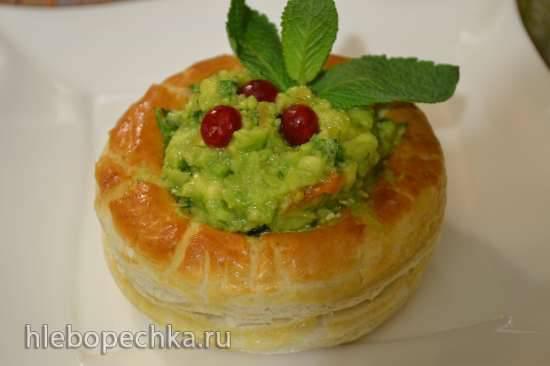 Корзиночки закусочные с пастой из авокадо и мягким сыром