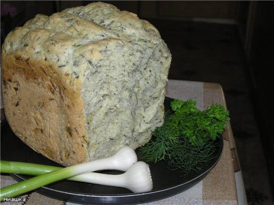 Хлебушек с зеленушкой (хлебопечка)